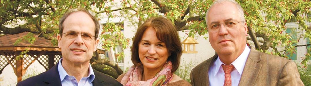 Der Stiftungsrat (v.l.n.r.): Prof. Dr. med. Martin Weber (Leiter der Palliativstation der Universitätsmedizin Mainz), Susanne Conrad (ZDF-Moderatorin, Autorin), Bernhard Nellessen (Fernsehdirektor SWR i.R., Kommunikationsberater)